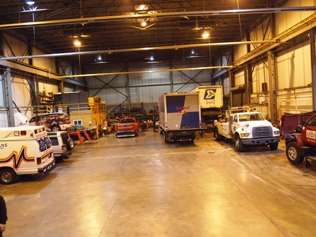 Our fully-equipped state-of-the-art truck service facilities